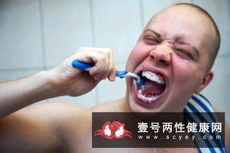 牙龈出血的常见病因有哪些呢